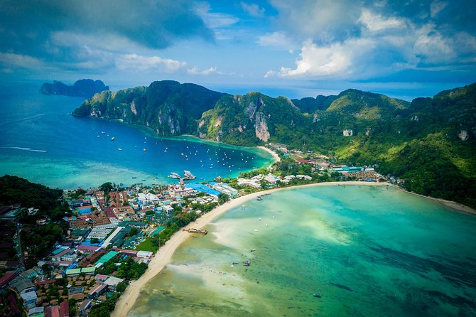 Phi Phi Islands - Early Bird Snorkeling Tour from Khao Lak in English, French, German, Italian
