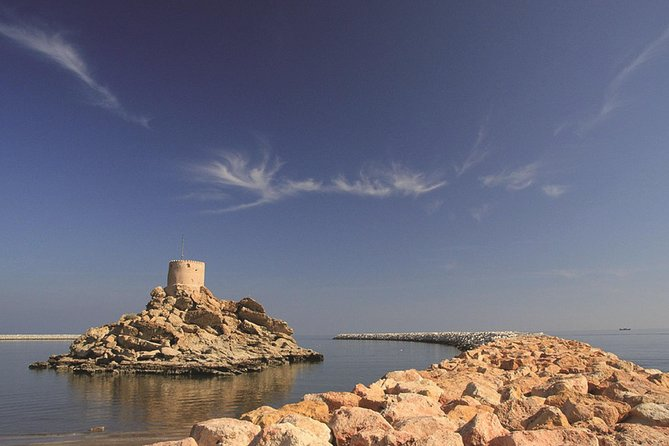 ESCORTED TOUR - OMAN: Mountains, Desert & Sea - 7 days / 6 nights