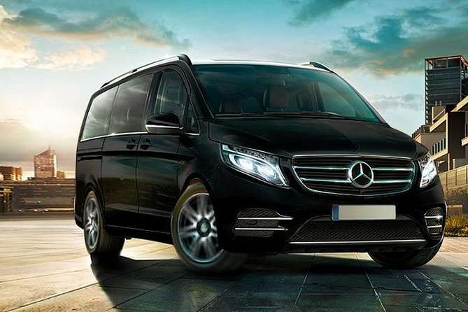 Private Arrival Transfer from Fes Saiss Airport to your Hotel or Riad