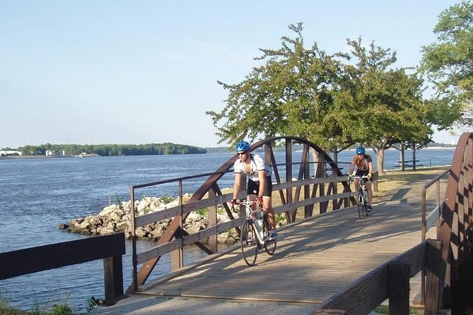 Grand Illinois Trail is loaded with beauty and things to do