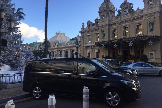 Girona Airport (GRO) to Costa Brava - Round-Trip Private Van Transfer