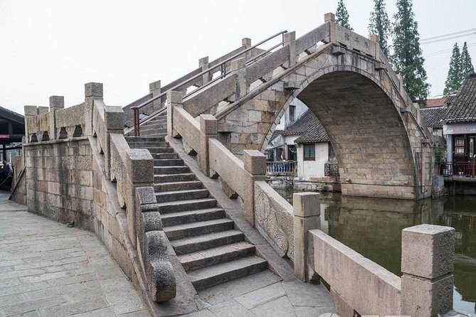 Water Town of Fengjing and Private Bounded Feet Museum photo 6
