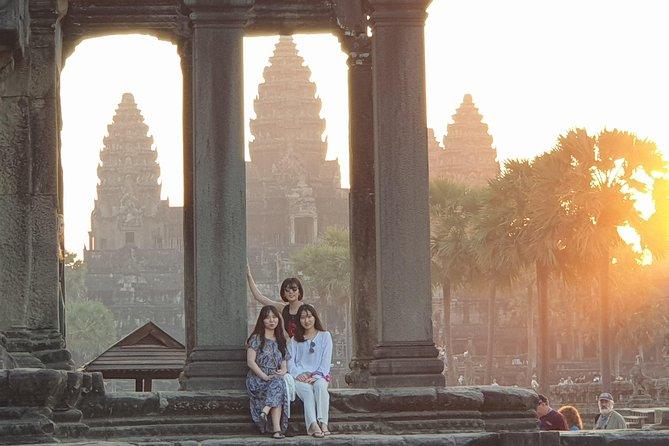 Angkor Wat Sunrise: Small Group