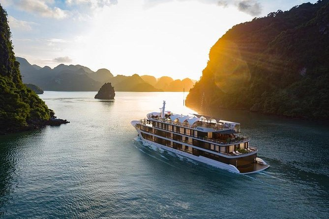 ASPIRA CRUISE - Ha Long Bay & Lan Ha Bay 2 Days 1 Night Luxurry Tour photo 1