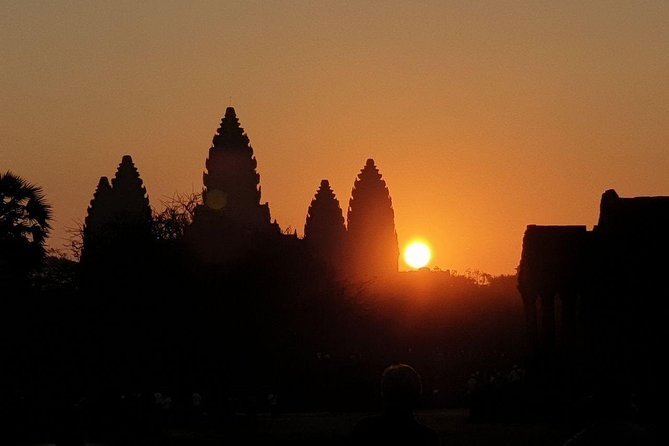 Angkor Golden Sunrise Group Tour