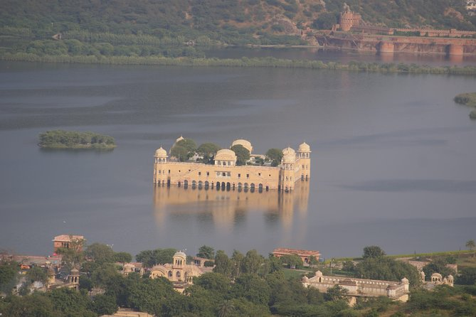 Jaipur Full Day City Tour with Pickup and Guide