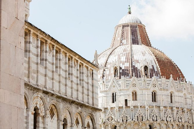 From Leghorn Harbor to Pisa with your private driver + Local guide (En)