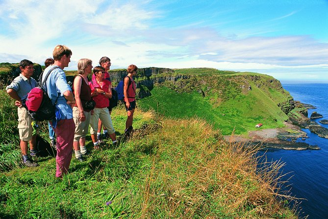 Giants Causeway Cliff Path Walking & Coach Tour from Belfast Includes Admissions