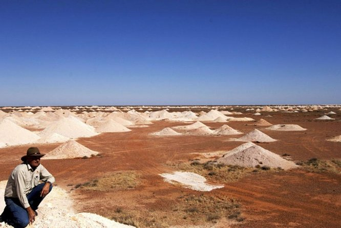 Cave & Town Highlights Of Coober Pedy By Minibus