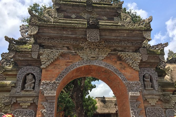 1 DAY Ubud Sightseeing & Traditional Dance Legong / Kecak Dance Appreciation Private Tour 12 hours / Ubud, Tanada Tegalalang, Tirta Empul Temple