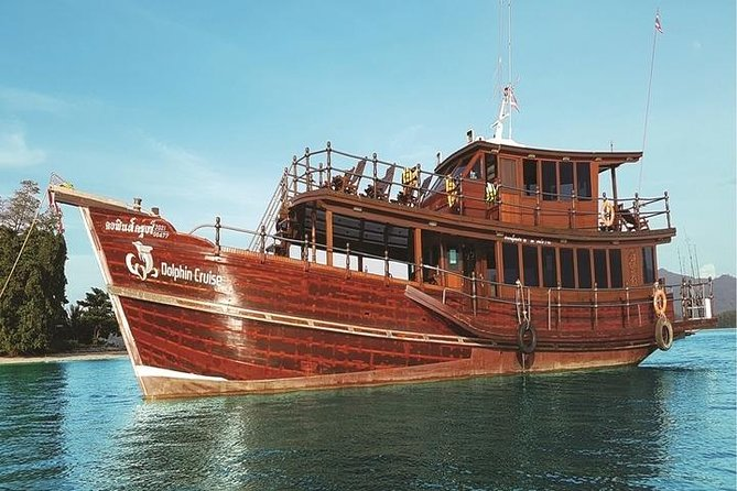 Day Trip with Dolphin Cruise in Khao Lak
