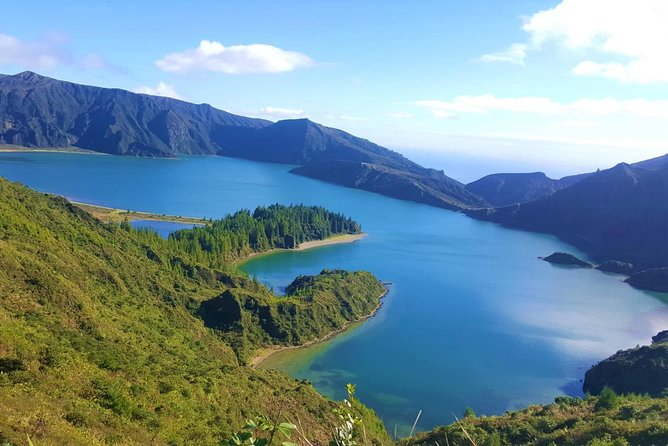 Van Tour - Lagoa do Fogo | Lake in a volcanic crater