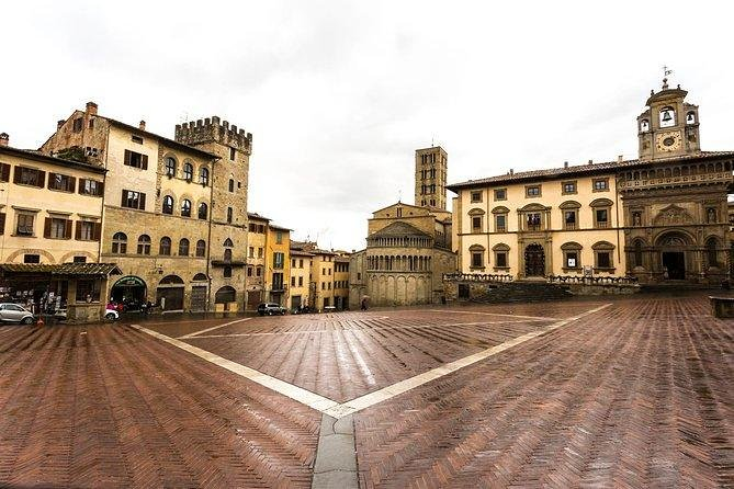 Arezzo private guided walking tour