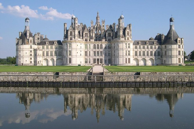 3 Loire Chateaux, lunch & wine tasting. private guided tour. 8 p. = 290 e. each