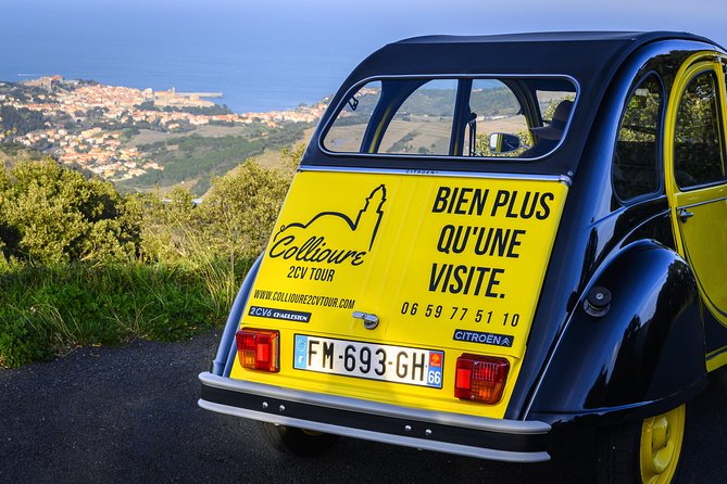 Private tour of Collioure and the Côte Vermeille by Citroën 2CV