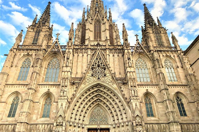 Barcelona Walking Tour with Complimentary Drink