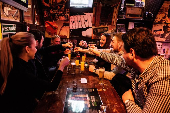 Pest side Pub Crawl - Unlimited drinks for an hour, discover hidden ruin pubs