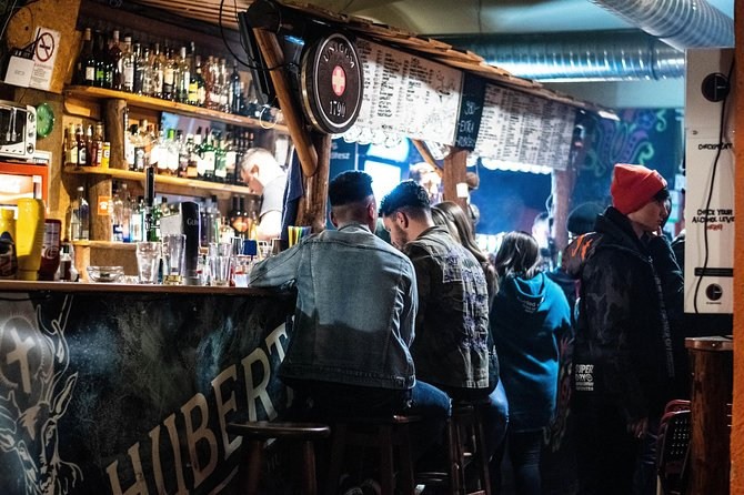 Buda side Pub Crawl - Unlimited drinks for an hour, transportation & free shots