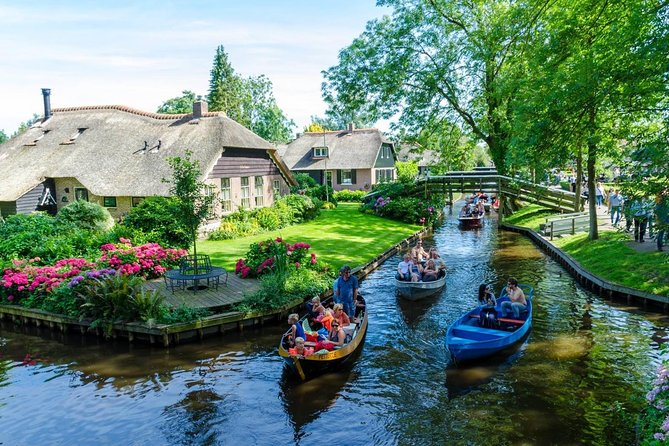 Giethoorn Day Private Tour