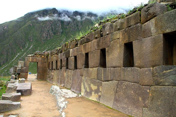 Sacred Valley of the Incas + Buffet Lunch - Group Service