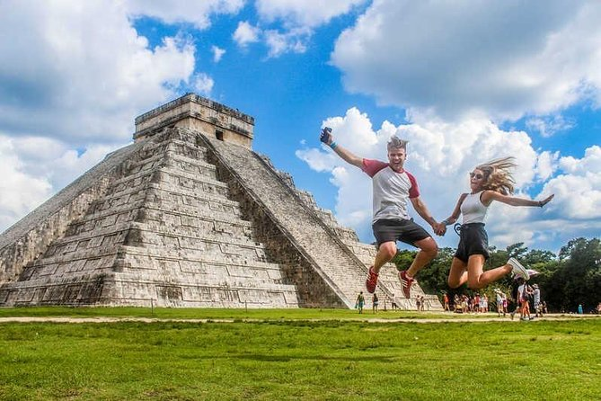 Visit Chichén Itzá with our Complete Tour and visit a real Cenote and Valladolid