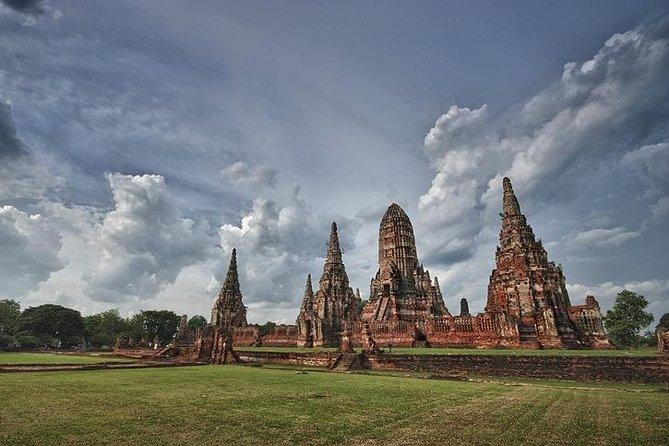 Wear Thai Costumeand Travel in Ayutthaya Tour