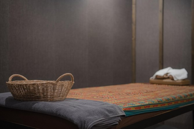 1 Hour Deep Tissue Thai Massage with Balm - Free Transportation