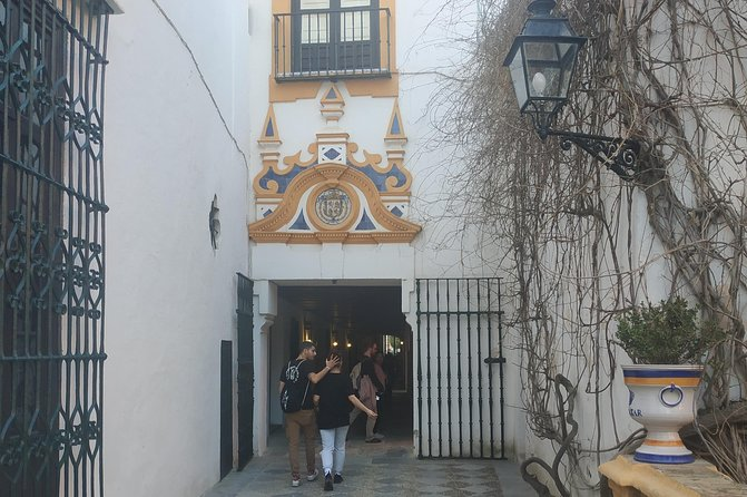 Guided tour: Real Alcázar and Cathedral! Get to know Seville with us!