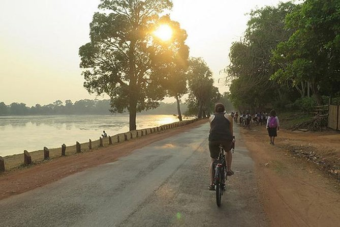 Angkor Sunrise Discovery Bike Tour Included Breakfast & Lunch photo 8