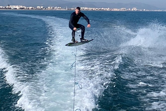 Courses and departures at Wake Board