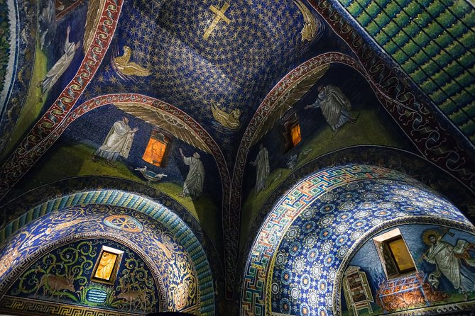 Walking tour of Ravenna with ticket to 5 Unesco sites
