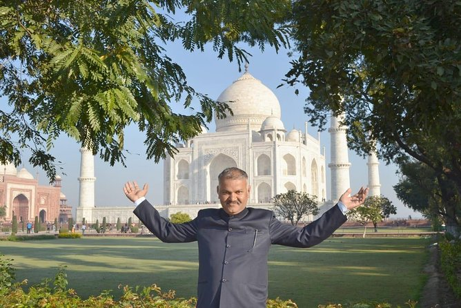 Private Full Day Sightseeing Tour of Taj Mahal Agra & Fatehpur Sikri from Jaipur