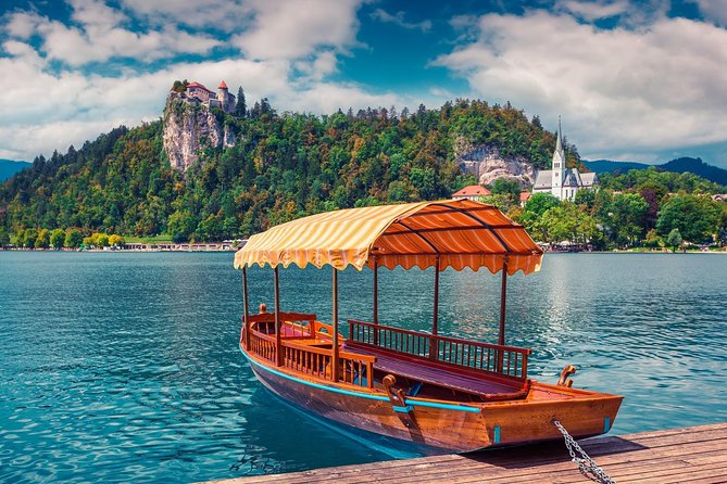 Postojna Cave and Lake Bled with Lunch from Ljubljana