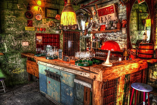 Secret Ruin Bar Crawl in Budapest with a Local