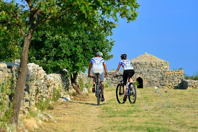 Trip to history of Vodice by bike