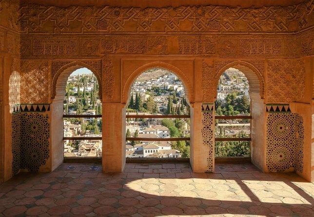 Alhambra e Generalife ingressos sem fila e visita guiada