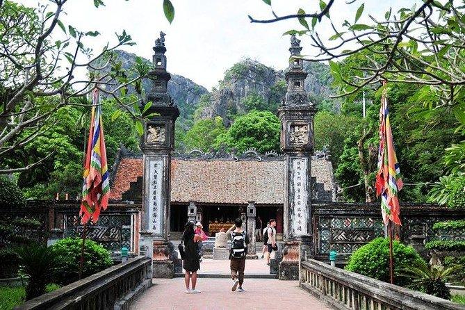 Full-Day Perfume Pagoda Tour from Hanoi