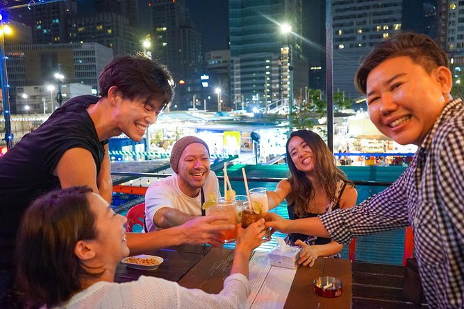 Bangkok Bar Hopping Night Tour with Tuk Tuk Ride in Siam