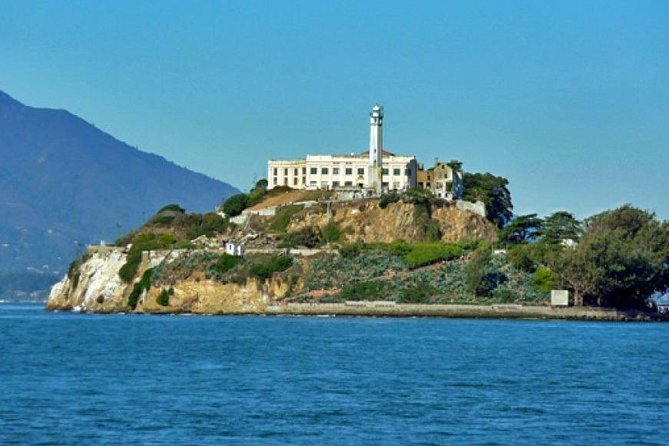 Alcatraz Visit and the San Fran Tour Sampler Platter with Pier 39 Lunch Included