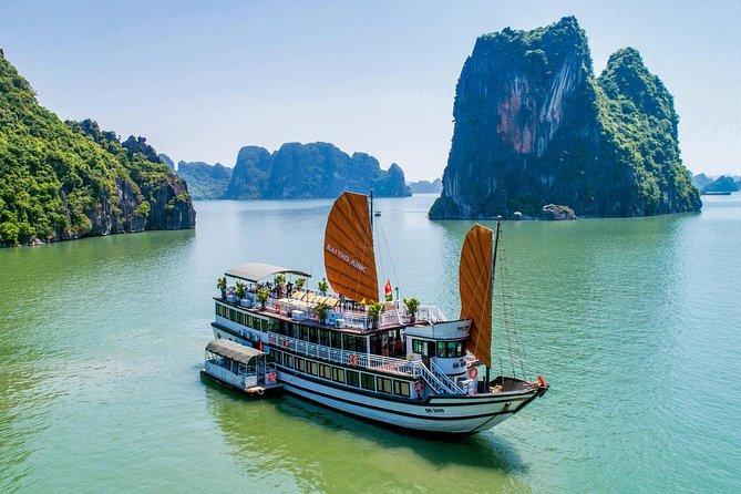 Bai Tu Long Bay Cruise 2D/1N: Kayaking, Swimming at pristine places & Full Meals