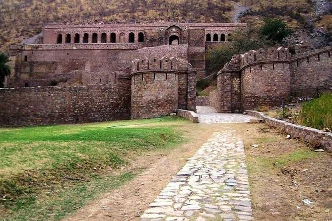 Haunted Bhangarh Fort Full Day Trip in Jaipur