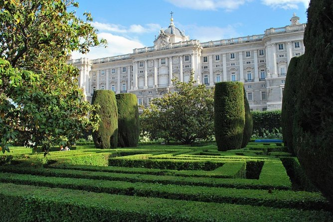 Madrid Royal Palace Guided Tour (Tickets included & Skip the line)