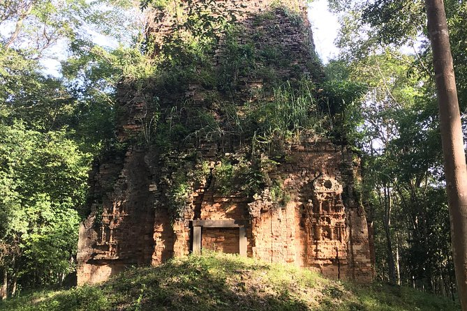 2 Day Phnom Penh Tours, Chisor Temple, Taprohm Tonle Bati, Tamoa Wildlife Center