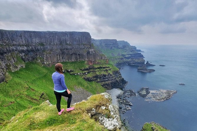 Giant's Causeway Tour with Guided Cliff Hike from Belfast