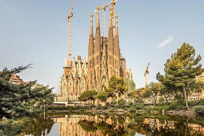 Barcelona Gaudi Quarter   Private tour (2H)   Private guide