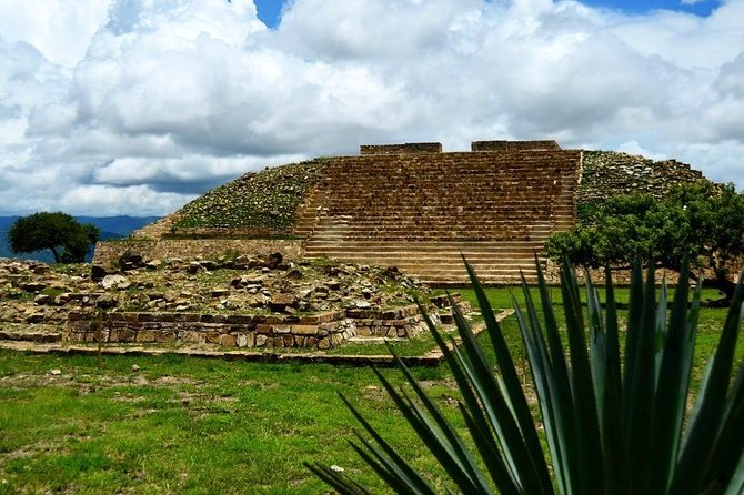 Enjoy all Pyramids of Oaxaca in Private Day Tour: Monte Alban, Mitla, Yagul