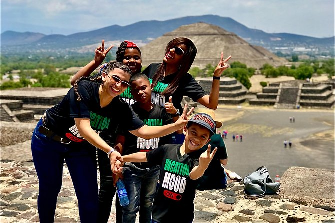 Private Tour: Pyramids of Teotihuacan & Basílic of our lady Guadalupe