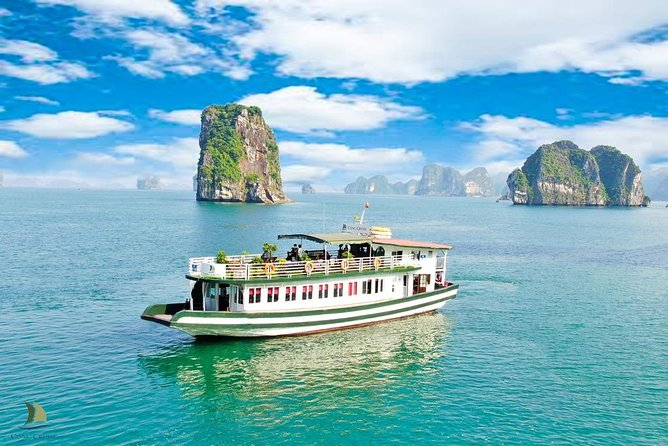 Halong bay 7 hours cruising Trip: Surprise cave, Kayaking, Titop island & Lunch