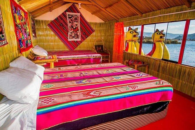 Overnight at Isla Flonte Uros + Isla de Taquile (Veloz)