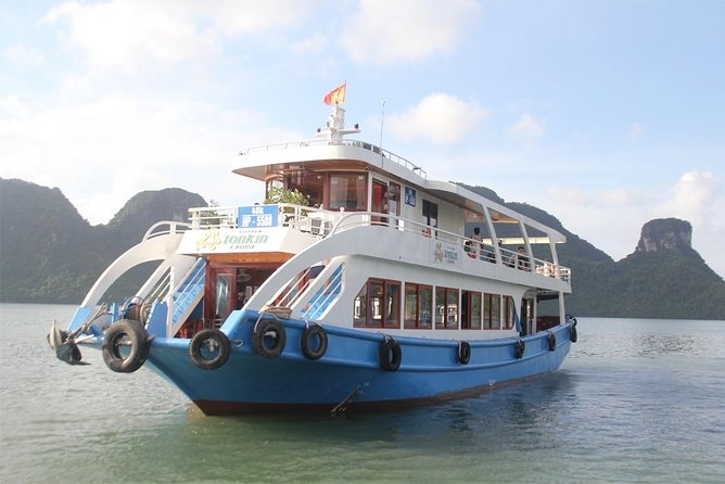 Lan Ha bay & Halong bay Day Trip: Kayaking & Swimming at pristine places, meals